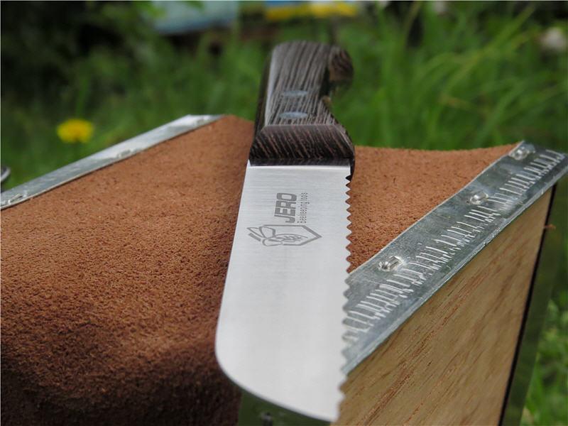 Нож для вырезания сотов Jero